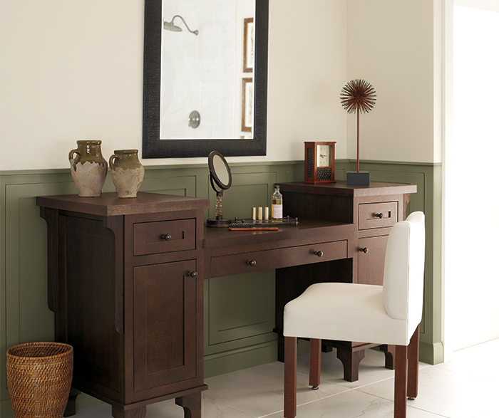 Vanity cabinet in Quartersawn Oak by Decora Cabinetry